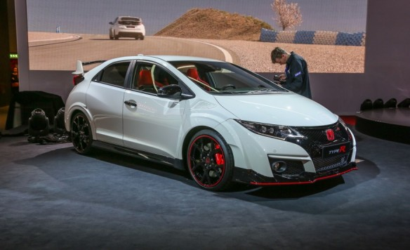 2016-Honda-Civic-Type-R-201-876x535
