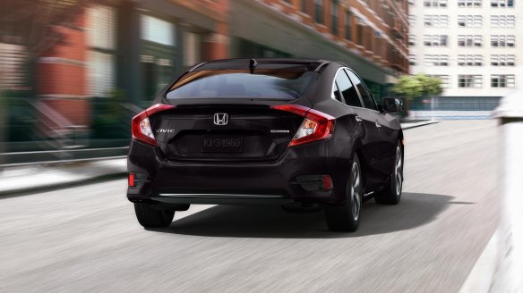 MY16_Civic_Sedan_exterior_gallery_12